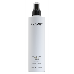 Luxury Primer Spray Green light - 1